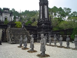Hue_imperial_tombs_253x190